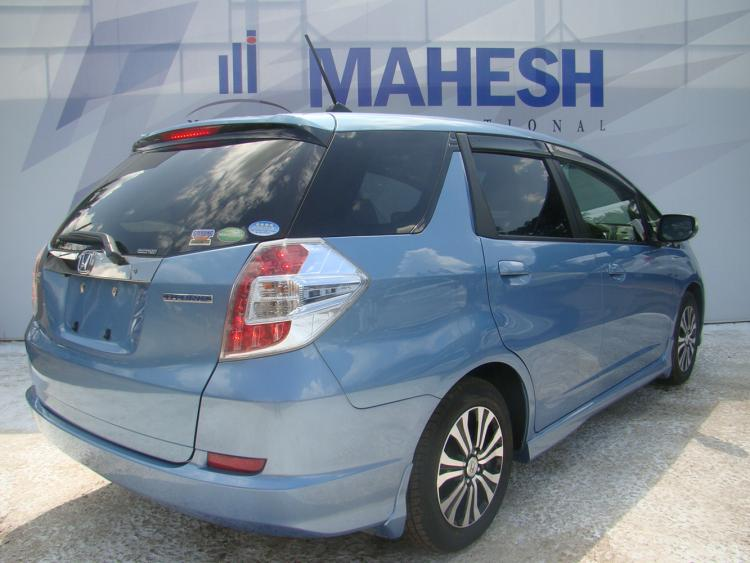 Honda Fit Shuttle (2014) :: Mahesh Corporation